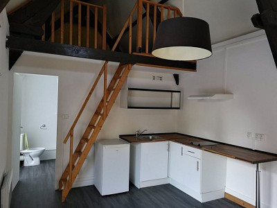 STUDIO A LOUER - HERLIES - 24 m2 - 430 € charges comprises par mois