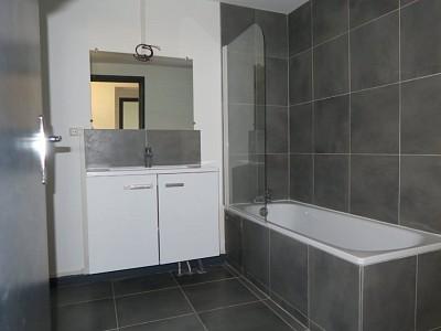 MAISON A LOUER - ENGLOS - 104 m2 - 1210 € charges comprises par mois